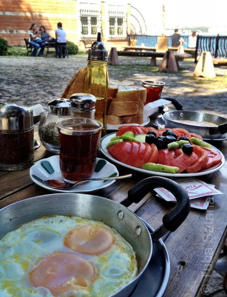 breakfast at Kuzguncuk.jpg